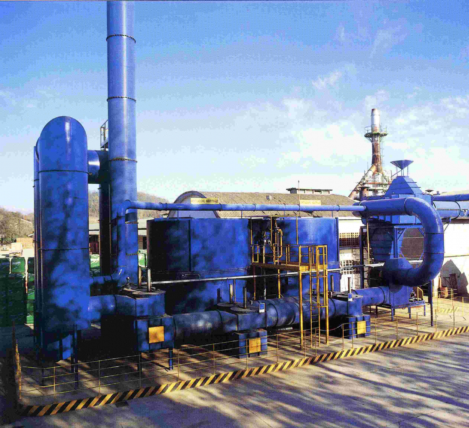 Regenerative thermal oxidizers